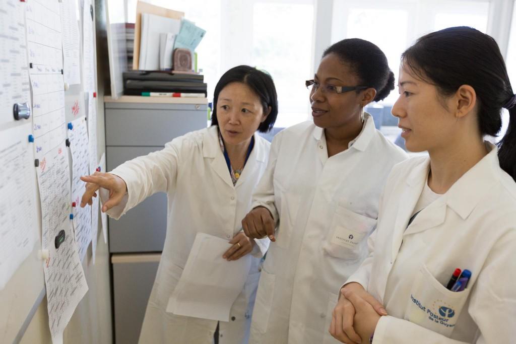 Concertation au laboratoire de biologie médicale